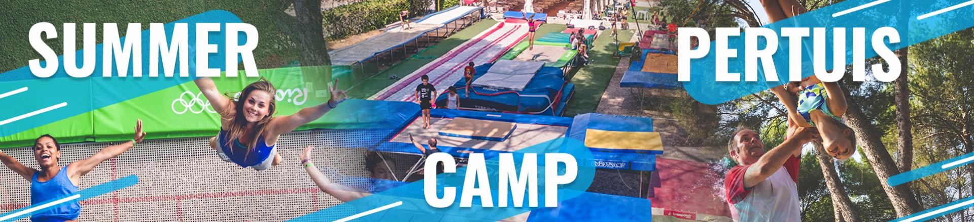 Espace trampoline Summer Camp Pertuis. On peut voir des trampolines de competions Ultimate et grands masters....