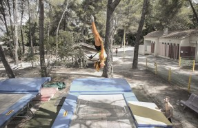 trampoline summer camp pertuis
